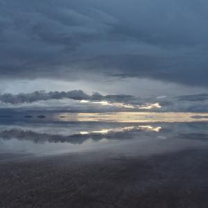 2018年ペルー・ボリビア旅行記 第33回 ウユニ塩湖探訪その2 暮れゆくウユニ塩湖は、白と群青の世界だった