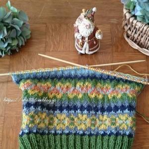 3枚目の犬セーターは編み込み