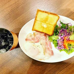 上島珈琲店 大阪国際空港店にて開店すぐ7時からモーニングです。