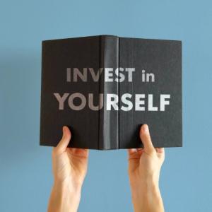 20代、30代なら自己投資を優先すべき:誰もが数千万円の資産家である