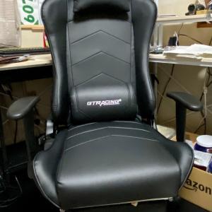 椅子も届きました。