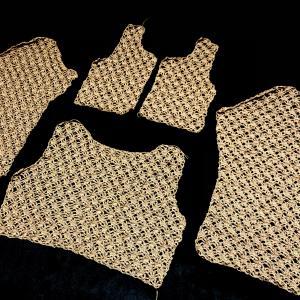 【毛糸だま 2010年秋号(Vol.145)】ボレロカーディガンの各部分が完成しました