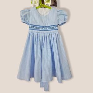 【複製】可愛いスモッキング刺繍の子供服