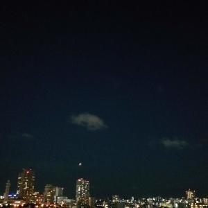 【日常・ひとりご】沖縄でスーパームーンの皆既月食🌕を見上げる(2021年5月26日)