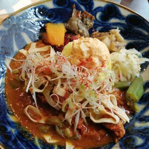 【沖縄】那覇・前島☆たまにじゃなくいつも食べたい『タマニカレー』は地元会社員に人気
