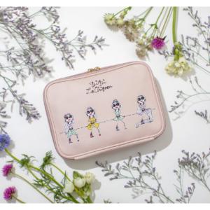 人気イラストレーター・三浦大地さんの描く、プリンセスをデザインした便利なポーチができました。「Disney Princess Multi pouch book produced by DAICHI MIURA」