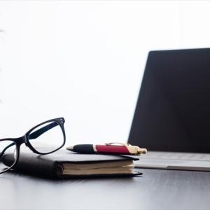 【購入レビュー】ブルーライトカット率50%!メガネ「Zoff PC」の使い心地【安くて早く使える】
