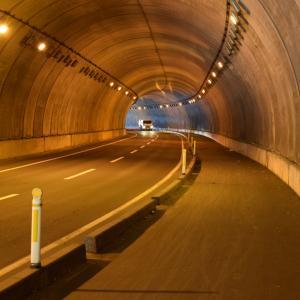トンネルでの駐停車で気をつけてたいこととは?!