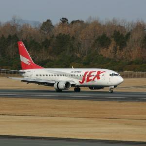 熊本空港 撮影日2005年02月27日-2 JEX B737-400 JA8993