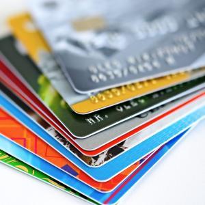 年収1000万円以上はどんなクレジットカードを持っているのか?