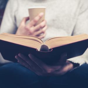 年収1000万円以上の人の読書量とは?