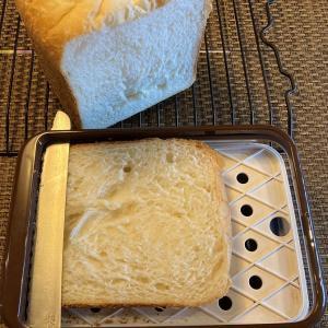 【感想・ヨシカワ横切りパンスライサー】焼きたてふわパンでも綺麗に切れた