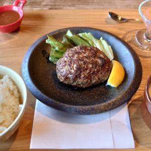 京都西院の「肉ばたけ」で京都牛ハンバーグを食す