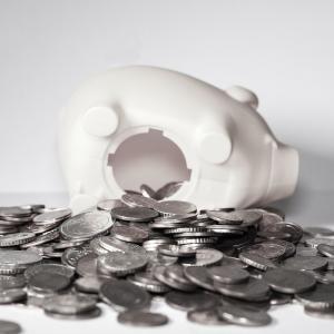 投資資金を確保する方法♪浪費、消費、投資は全く違うお金の使い道!!