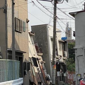 < 衝 撃 動 画 >大阪の家、完全に落ちてしまう。。。。。
