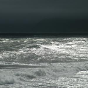 風が強い時の釣りはどうすればよいか?その対処法を紹介