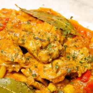 野菜とハーブの風味豊かな味わいと香り 鶏肉と野菜の煮込み