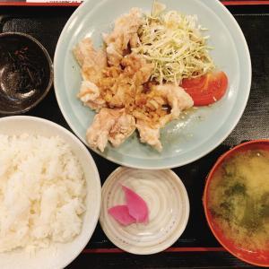 本日のランチは中華風鳥のから揚げ定食です。