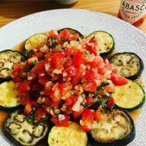 ケイジャンソースを使って簡単ケイジャンチキン/サルサソースのレシピ