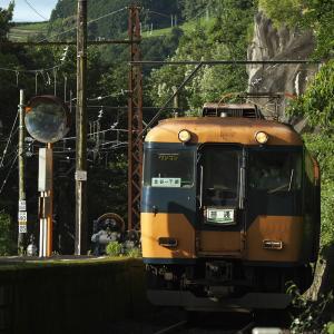 神尾駅、千頭ゆき1番列車が到着