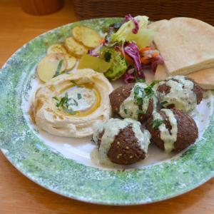 世界ごはんたべ記#83 東京のイスラエル料理屋「タイーム」