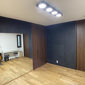 楽器部屋兼ファミリールームに吸音フェルトをはりました!
