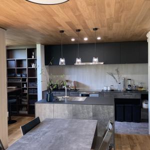 ルームツアー!キッチン横のスタディスペース。カフェみたいな空間に。