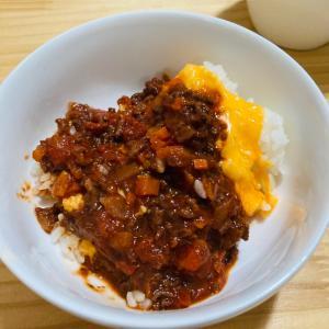 本日のごはん〜 鹿肉のミートソースと、サツマイモ!