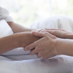 親に触れるのが苦手で介護をする苦悩とマッサージ