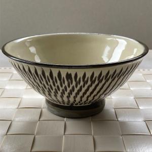 小鹿田焼の飯碗と5寸皿