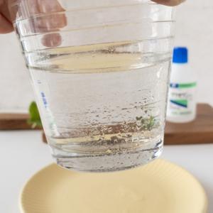 グリセリンと水でグラスずっと汗かき