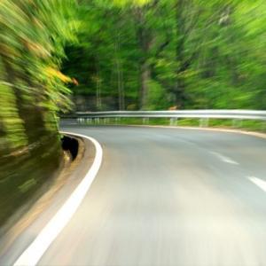 バイク事故は何故カーブに多い 原因は自分自身に問題あり