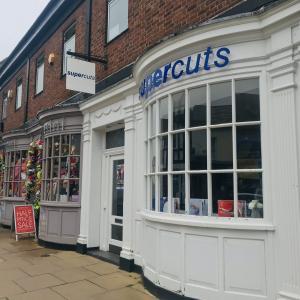 イギリスで初めて美容院に行ってきました【Supercuts】