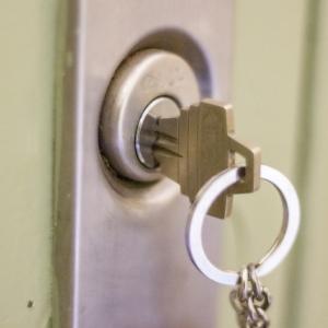 【新スマートドア】業界初の顔認証キーによるロック開閉機能