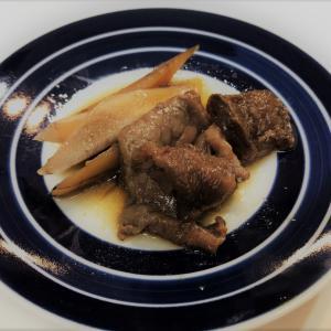 【圧力鍋】牛スジとごぼうの煮込みのレシピ。プルプルに煮込まれた牛スジが美味しいです。
