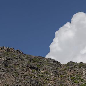 御嶽山に登ってきた。規制があるが山頂までは行くことができた