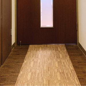 小スペースはタイルカーペットで、ちょっとオサレっぽくなるかも☆の巻