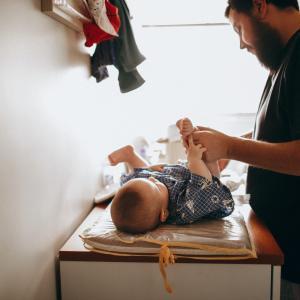 【擦らない!】赤ちゃんのおむつかぶれ対策におしりシャワー+ペットシーツがオススメ!