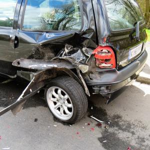 修復歴車(事故車)になると車の価値は下がるの?『事故減価額証明書』ってなに?
