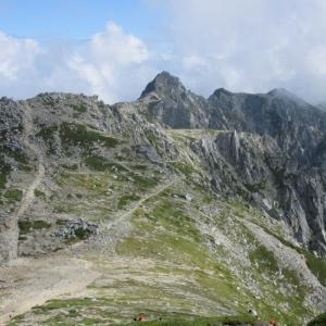 【木曽駒ヶ岳(その2)】中央アルプスの雄大な景色を一望し、山頂直下の山小屋に宿泊