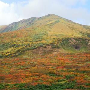 【栗駒山・安達太良山(1日目)】紅葉に染まる栗駒山の登山を楽しんだ後、宿泊先の仙台へ向かう