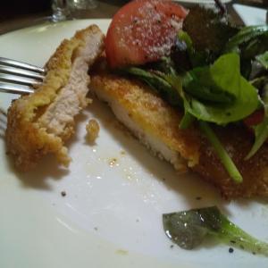 鶏むね肉のミラノ風カツレツと美味しいワインの晩ごはん