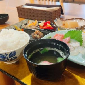 新函館北斗駅の近くに飲食店が有りまして… 北斗市市渡にある飲食店 「おばんざい まる」さんにて お刺身定食と初きなんぼ をキメてきました