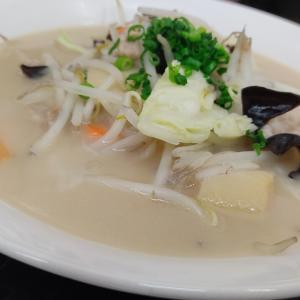 北斗市イオン上磯店内に店舗のある「ファミリーレストラン中華ジャンジャン」にてタンメンとスイーツをキメてきました