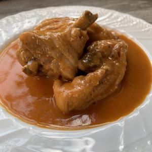 本格ビストロ料理レシピ!鶏肉のワインビネガー煮込み