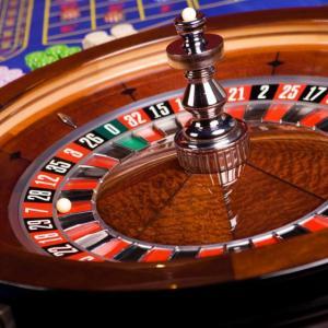 複数のオンラインカジノから毎日少額だけ勝ち続ければいい件