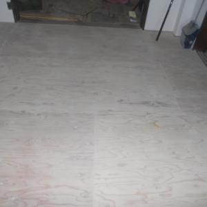リビングの畳を撤去してクッションフロアを貼る(下地パテ処理)