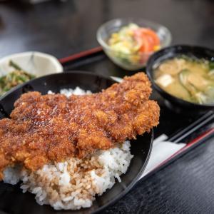 古民家風の空間で地元B級グルメ・ソースカツ丼が頂ける「くら」 (福井県・福井市)