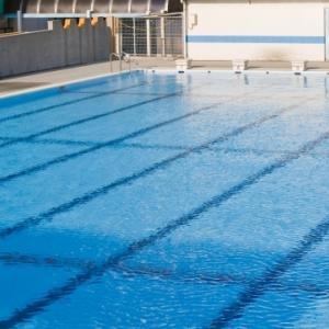 梅雨時の水泳指導