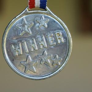 メンサ会員が考える、一番いい色のメダルってなんだろうって話